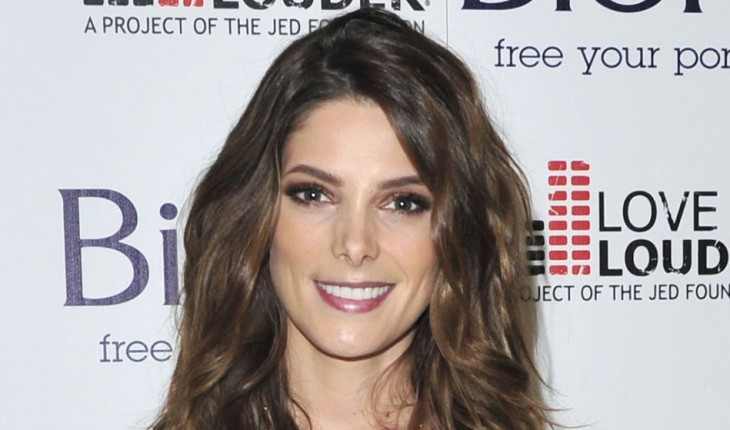 Ashley Greene Height and Weight Body Stats - PK Baseline- How Celebs ...